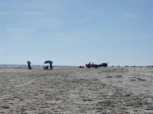 Der Strand ist weit und die Autos stören uns nicht